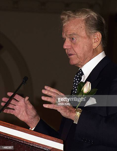 Paul Harvey the most listenedto man in radio speaks at the Union League Club at the First Friday Club of Chicago on October 4 2002 in Chicago...