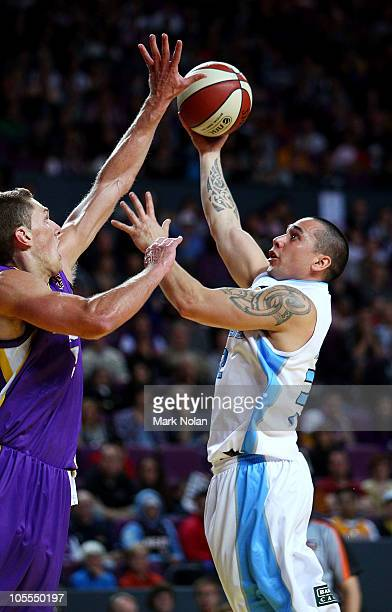 Paul Henare of the Breakers drives to the basket during the round one NBL match between the Sydney Kings and the New Zealand Breakers at Sydney...