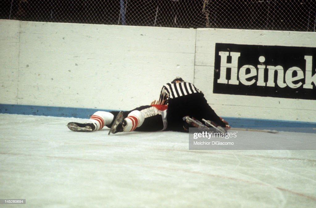 1972 Summit Series - Game 5: Canada v Soviet Union : News Photo