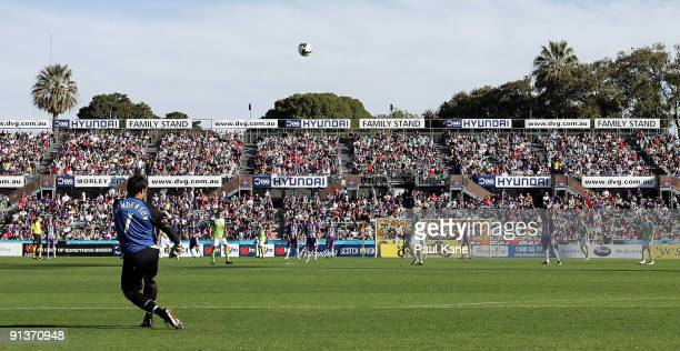 Paul Henderson of the Fury takes a goal kick during the round nine ALeague match between the Perth Glory and the North Queensland Fury at Members...