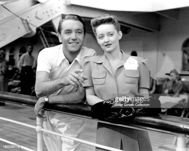 Paul Henreid as Jerry Durrance and Bette Davis as Charlotte Vale in 'Now Voyager' directed by Irving Rapper 1942