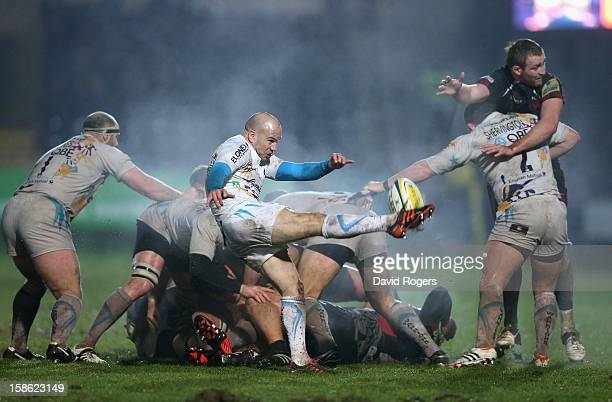 Paul Hodgson of Worcester kicks the ball upfield during the Aviva Premiership match between Worcester Warriors and London Welsh at Sixways Stadium on...