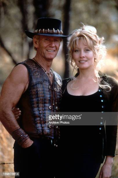 Paul Hogan and Linda Kozlowski in a scene from the film 'Crocodile Dundee in Los Angeles', 2001.