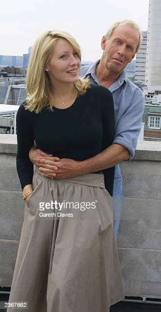 Paul Hogan and Linda Kozlowski in London at the Dorchester hotel 7/25/01 to promote 'Crocodile Dundee 3 Los Angeles' photo by GARETH DAVIES/Mission...