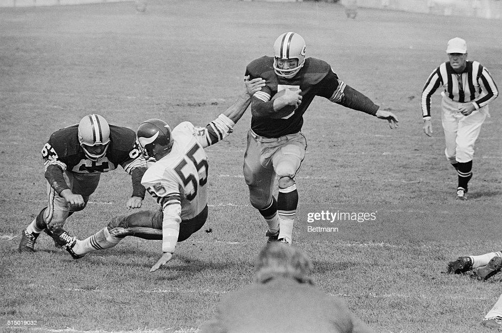 Green Bay Packers Paul Hornung Going for Touchdown : Nachrichtenfoto
