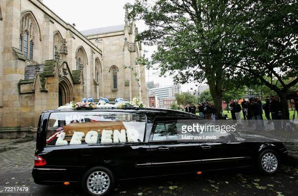 Paul Hunter's coffin is driven to Leeds Parish Church on October 19 2006 in Leeds England The threetime Masters champion lost his battle to cancer on...