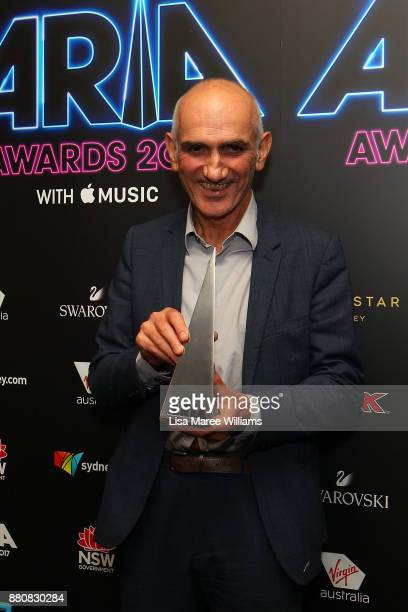 Paul Kelly poses in awards room with an ARIA for Best Male Artist during the 31st Annual ARIA Awards 2017 at The Star on November 28 2017 in Sydney...