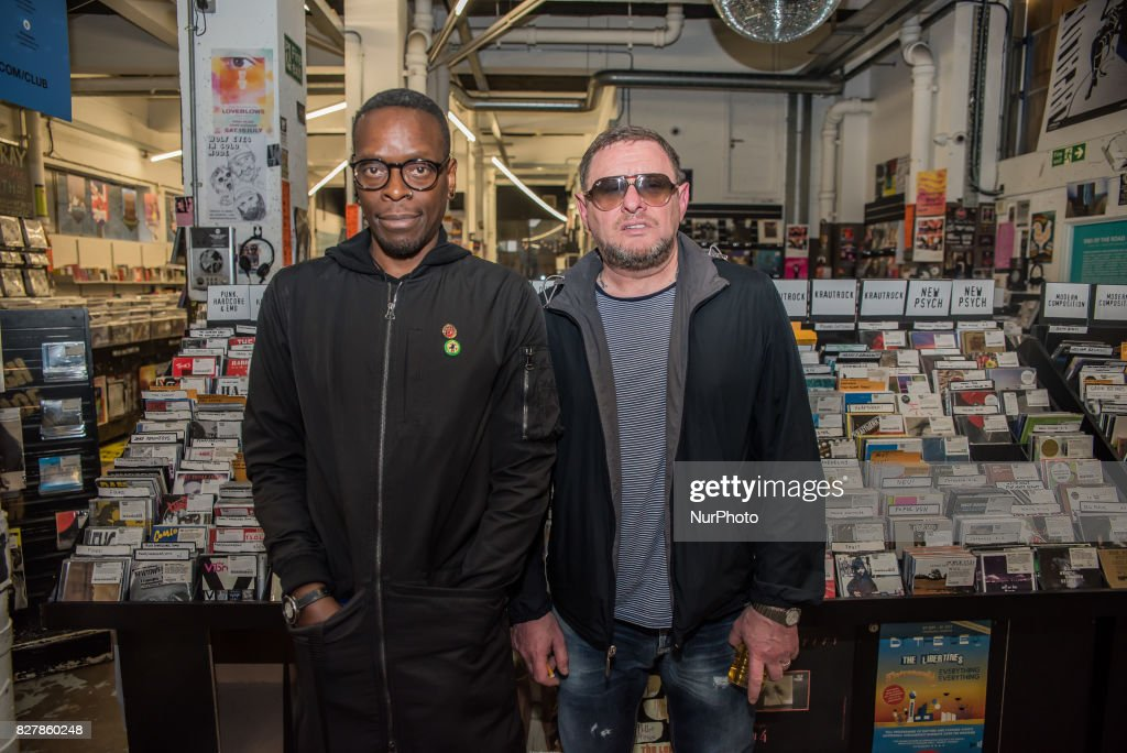 British rock band Black Grape Q&A at Rough Trade East : News Photo