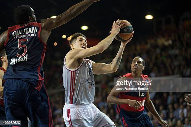 Paul Lacombe, #6 of Strasbourg competes with K.C. Rivers, #5 of FC Bayern Munich in action during the Turkish Airlines Euroleague Basketball Regular...