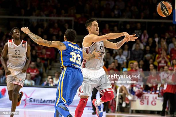 Paul Lacombe, #6 of Strasbourg competes with Tyler Honeycutt, #33 of Khimki Moscow Region during the Turkish Airlines Euroleague Basketball Regular...