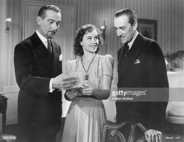 Paul Lukas Paulette Goddard and Pedro de Cordoba star in the comedyhorror 'The Ghost Breakers' directed by George Marshall and produced by Paramount...
