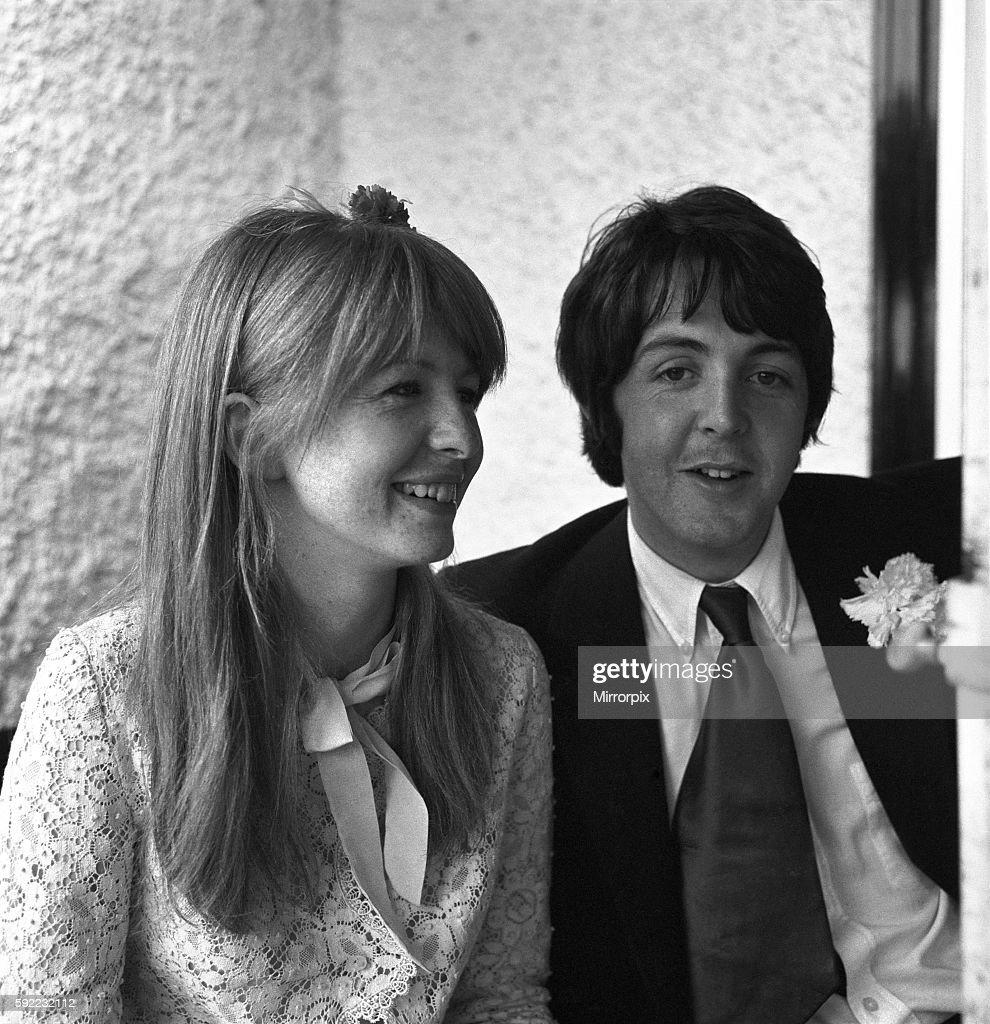 Paul McCartney And Girlfriend Jane Asher June 1968 Y5673 008