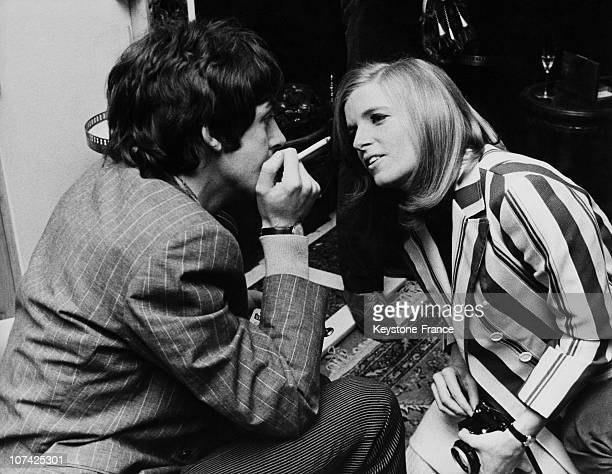 Paul Mccartney And His WifeToBe The Photographer Linda Eastman At London In England On May 20Th 1967
