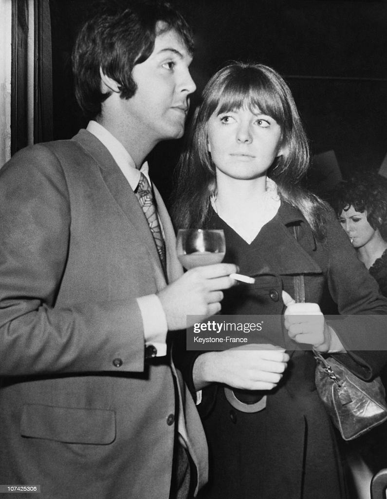 Paul Mccartney And Jane Asher At A Reception At London In England On January 19Th 1968 : News Photo