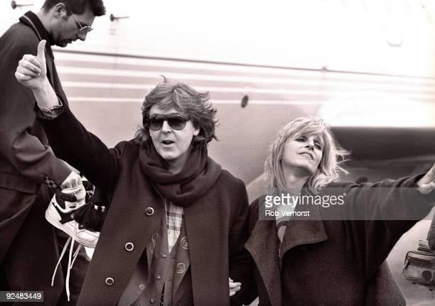 Paul McCartney and Linda McCartney arrive at Vliegveld Zestienhoven airport on November 7th 1989 in Rotterdam Netherlands