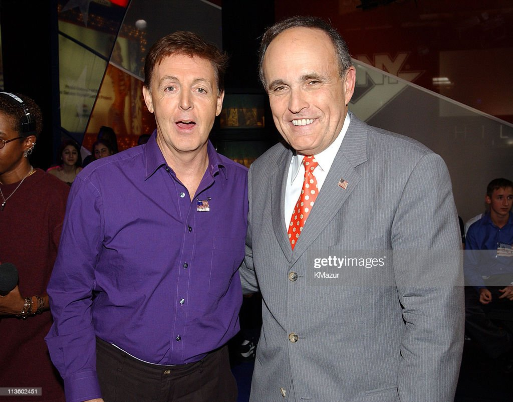 "NYC Mayor Rudy Giuliani and Paul McCartney Visit MTV's ""TRL"" - October 19, 2001"