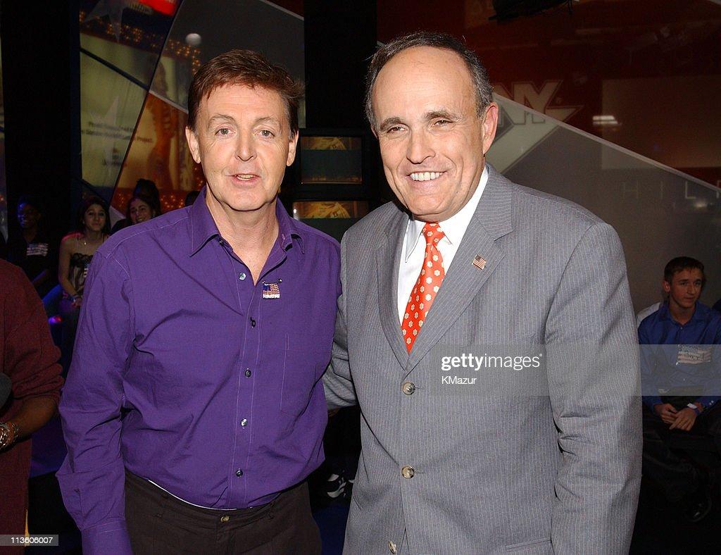 "NYC Mayor Rudy Giuliani and Paul McCartney Visit MTV's ""TRL"" - October 19, 2001"