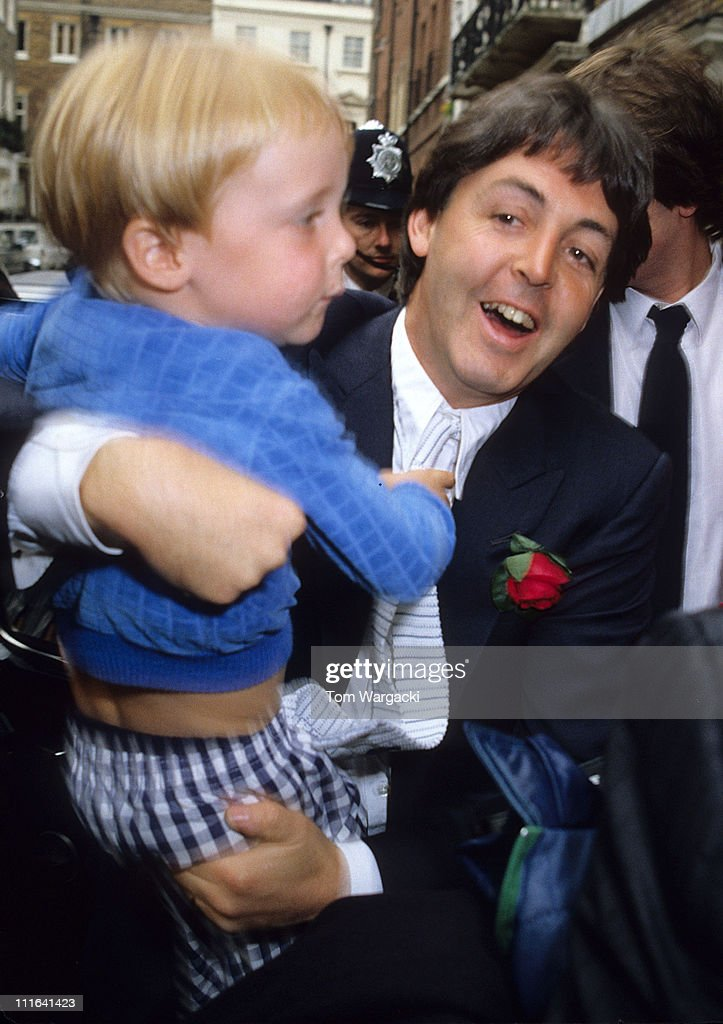 Paul Mccartney And Son James At Rags Club Mayfair For Ringo Starr
