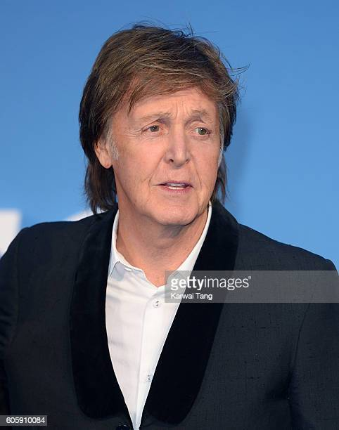 Paul McCartney arrives for the World premiere of 'The Beatles Eight Days A Week The Touring Years' at Odeon Leicester Square on September 15 2016 in...