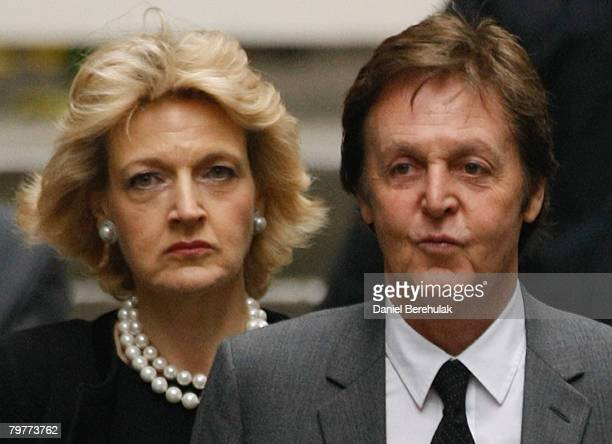 Paul McCartney arrives to the High Court with his lawyer Fiona Shackleton on February 15 2008 in London England Sir Paul McCartney and Heather Mills...
