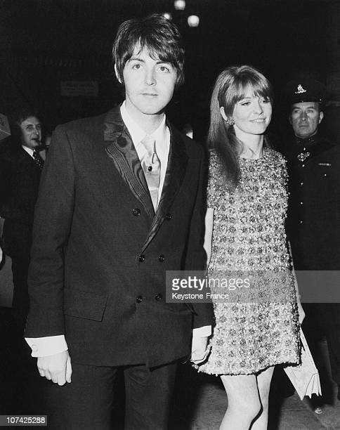 Paul Mccartney With His Girl Friend Jane Asher At London In England On September 19Th 1967