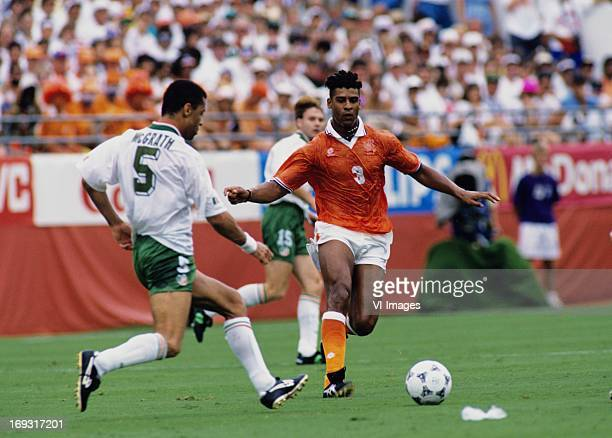 Paul McCrath Frank Rijkaard during the FIFA World Cup 1994 round of 16 match between Netherlands and Ireland om July 4 1994 at the Citrus Bowl...