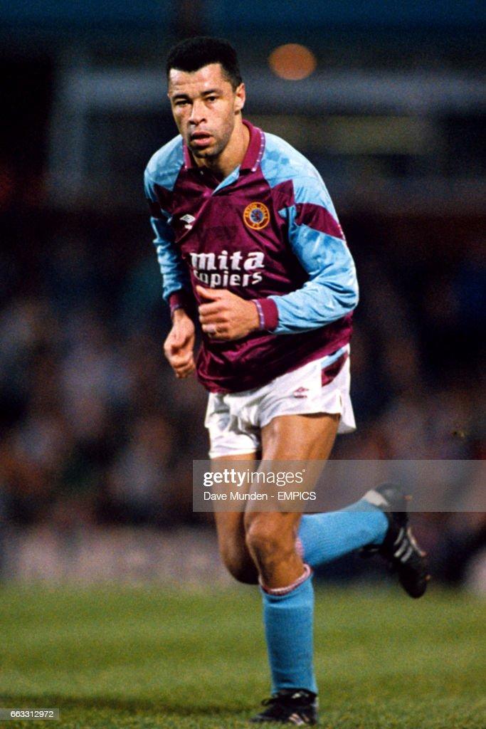 Soccer - Barclays League Division One - Aston Villa v Sheffield United - Villa Park : News Photo
