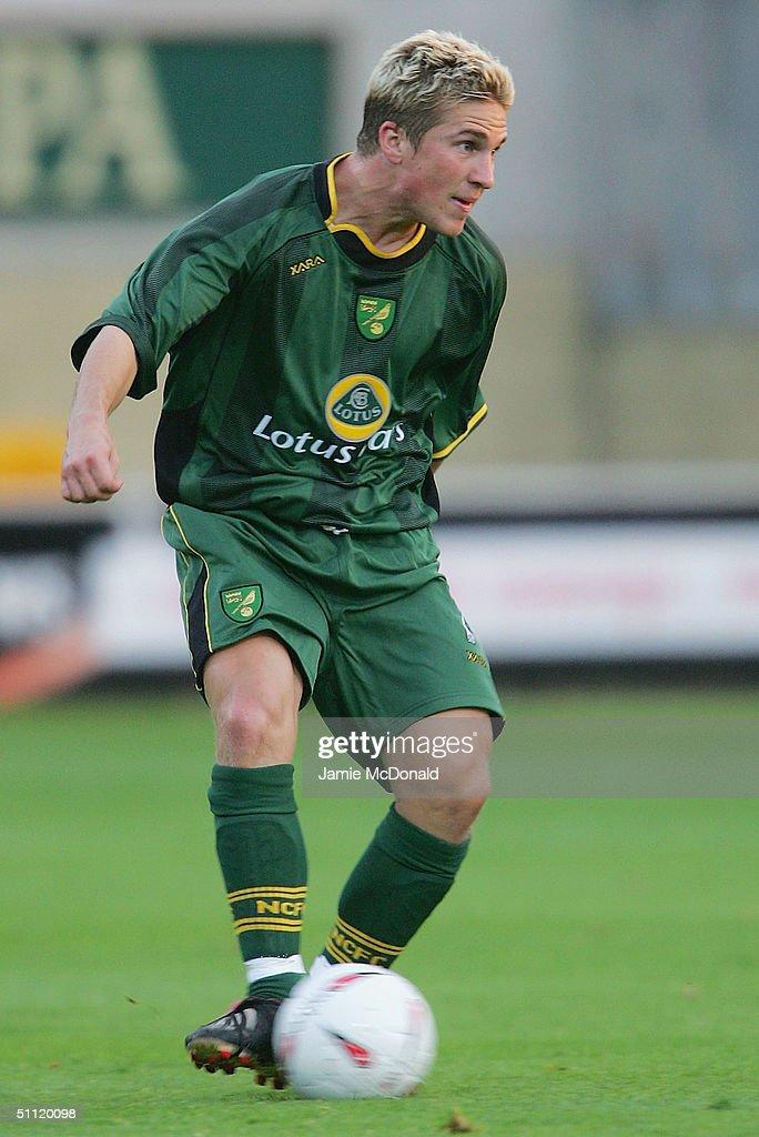 Cambridge United v Norwich City : News Photo