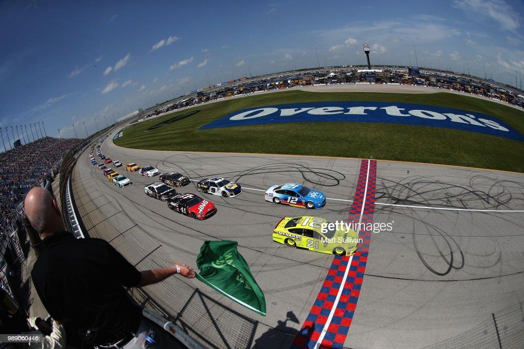Monster Energy NASCAR Cup Series Overton's 400 : News Photo