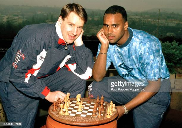 Paul Merson and David Rocastle play chess while on England duty on April 28 1992 in Moscow Russia