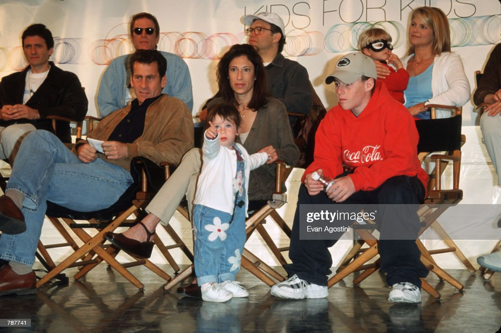 Paul Michael Glaser And Family At Kids For Kids AIDS Benefit : Nachrichtenfoto