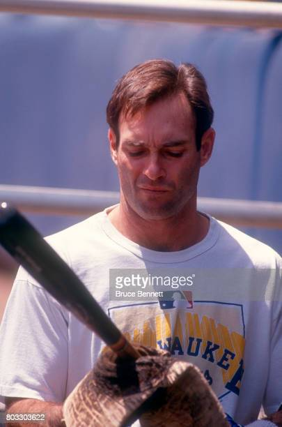 Paul Molitor of the Milwaukee Brewers adds pine tar to his bat before an MLB game against the New York Yankees on May 23 1992 at Yankee Stadium in...