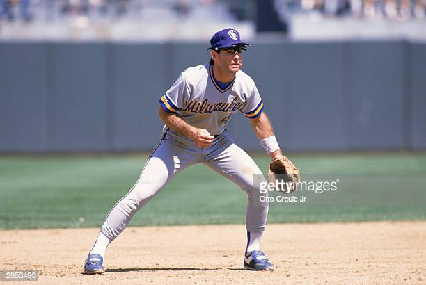 Paul Molitor of the Milwaukee Brewers plays defense during the 1989 season game against the Oakland Athletics at OaklandAlameda County Coliseum in...