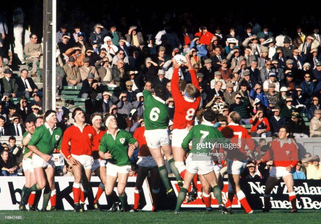 1987 Rugby World Cup Pool 2 - Ireland v Wales : Nachrichtenfoto
