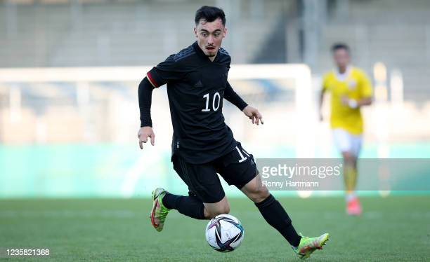 Paul Nebel of U20 Germany controls the ball during the International Friendly match between Germany U20 and Romania U20 on October 11, 2021 in...