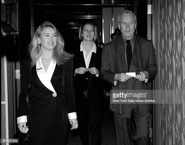 Paul Newman and his daughters Clea and Melissa at the New York film critics awards