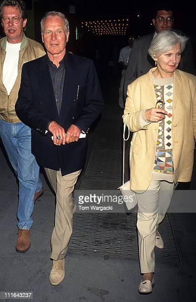 Paul Newman and Joanne Woodward during Paul Newman and Joanne Woodward at Nederlander Theatre for Rent at Nederlander Theatre in New York United...