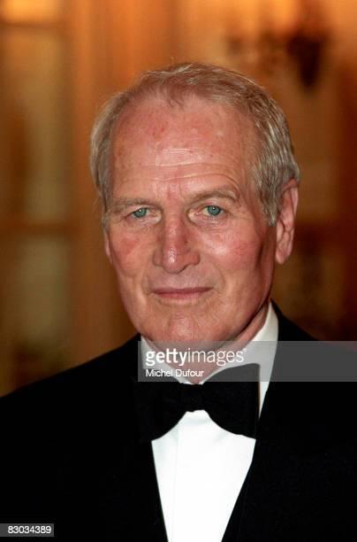 Paul Newman attends the 'Gala de la St Nicolas' at the Ritz hotel in 1998 in Paris France