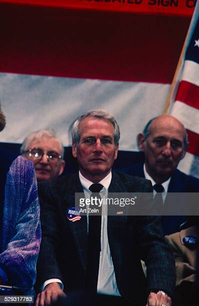 Paul Newman on the dais at a Mondale event 1984