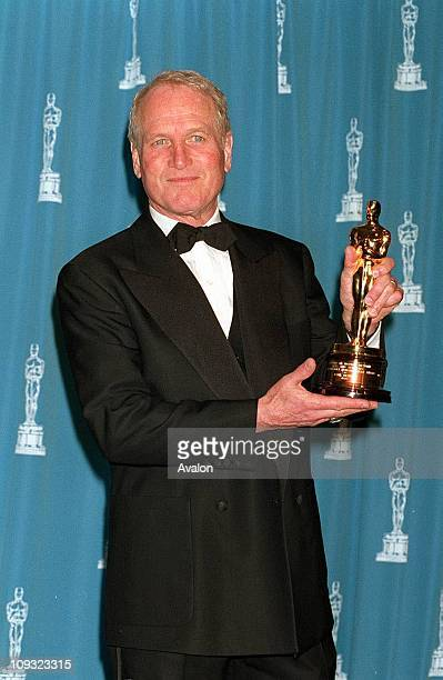 Paul Newman with his Oscar for the Jean Hersholt Award at the 1994 Oscars ceremony