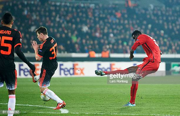 Paul Onuachu of FC Midtjylland scores the 21 goal during the UEFA Europa League match between FC Midtjylland and Manchester United at MCH Arena on...