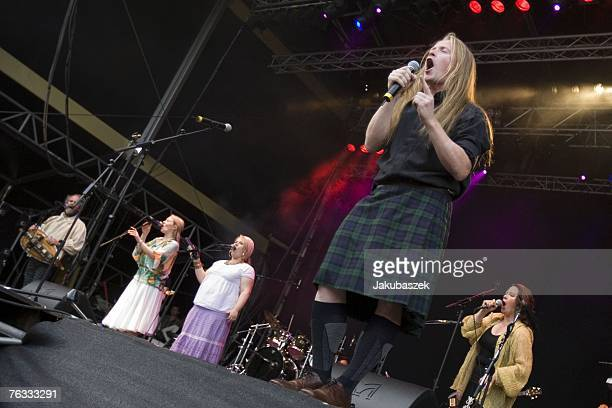 Paul Patricia Maite Joey and Kathy Kelly Members of the USAmerican/ Irish pop/ folkband The Kelly Family perform live open air at the Zitadelle...