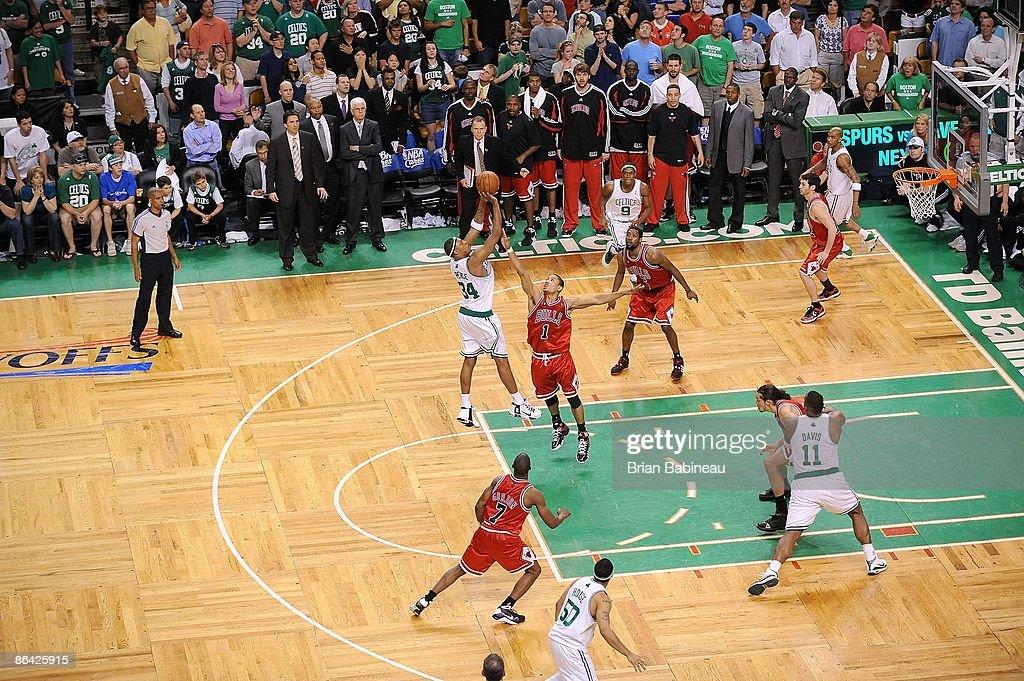 Chicago Bulls v Boston Celtics, Game 5 : News Photo