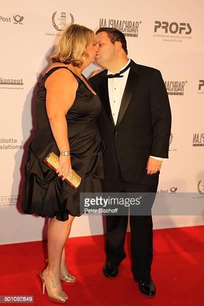 """Paul Potts , Ehefrau Julie-Ann, Charity-Veranstaltung, 18. """"Unesco-Benefiz-Gala"""" 2010 für Kinder in Not, Hotel """"Maritim"""", Düsseldorf,..."""