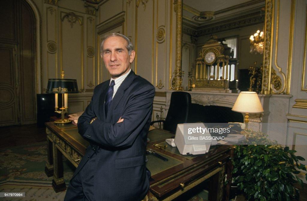 https://media.gettyimages.com/photos/paul-quiles-nouveau-ministre-de-linterieur-dans-son-bureau-le-8-avril-picture-id947970994