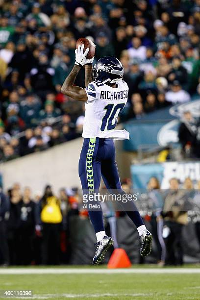 Paul Richardson of the Seattle Seahawks makes a catch against the Philadelphia Eagles in the second quarter of the game at Lincoln Financial Field on...