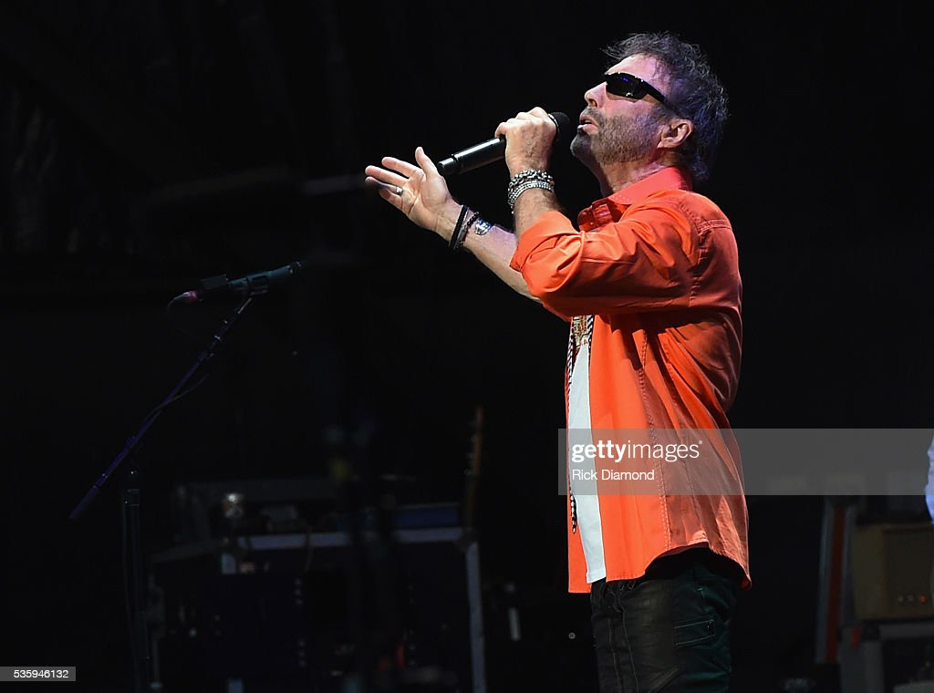 Paul Rogers of Bad Company performs during Joe Walsh & Bad Company One Hell Of A Night Tour - at Perfect Vodka Amphitheatre on May 29, 2016 in West Palm Beach, Florida.