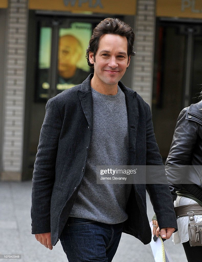Paul Rudd is seen on location for 'Wanderlust' on the streets of Manhattan on November 20, 2010 in New York City.
