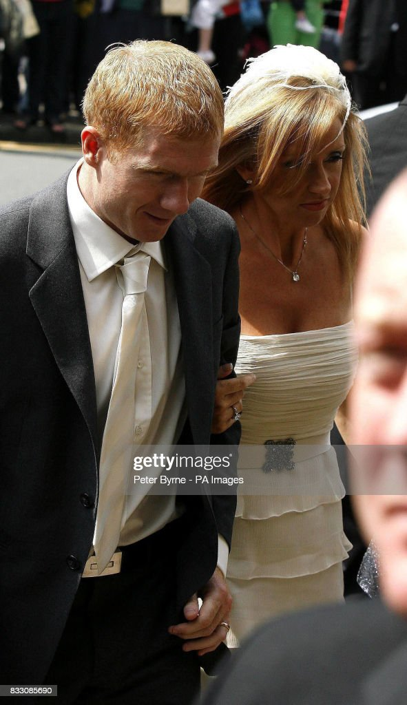 Paul Scholes and his wife Claire arrive for the wedding of ...