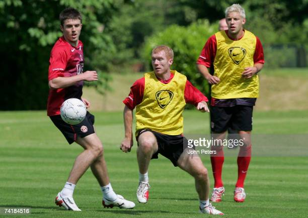 Paul Scholes and Michael Carrick of Manchester United in action during a first team training session ahead of the FA Cup Final at Bisham Abbey on May...
